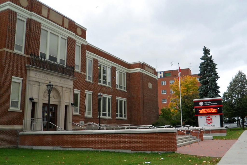 Foto de Brockville High School al Canadà