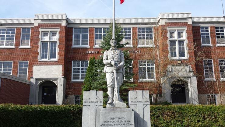 Foto de l'escola Canadà High School al Canadà