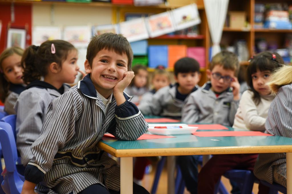 Educació Infantil nen somrient