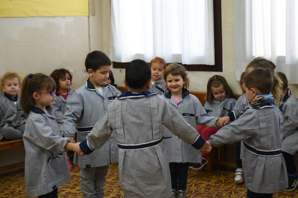Educació infantil rotllana de nens