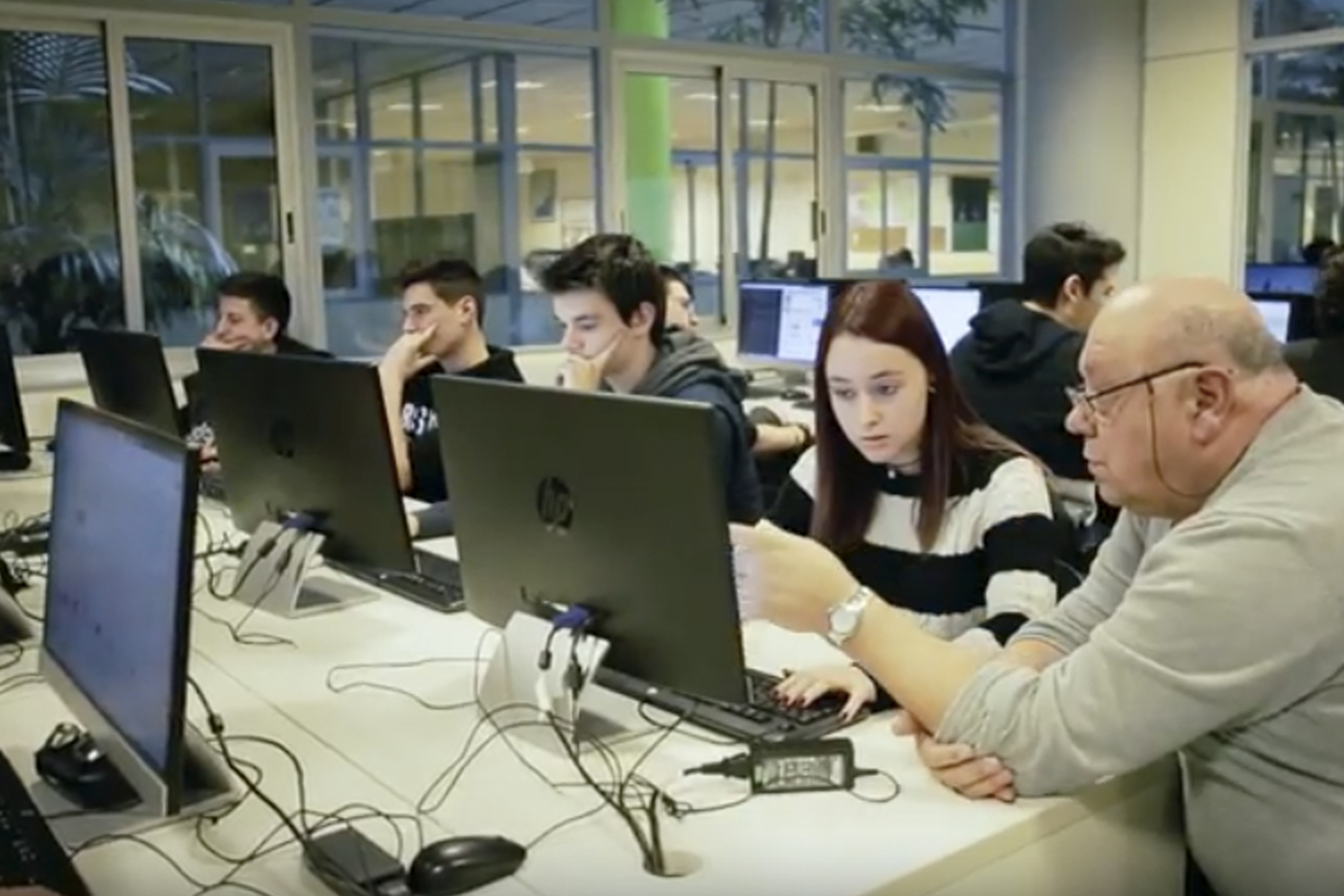 Desenvolupament d'aplicacions web & Digital Marketing