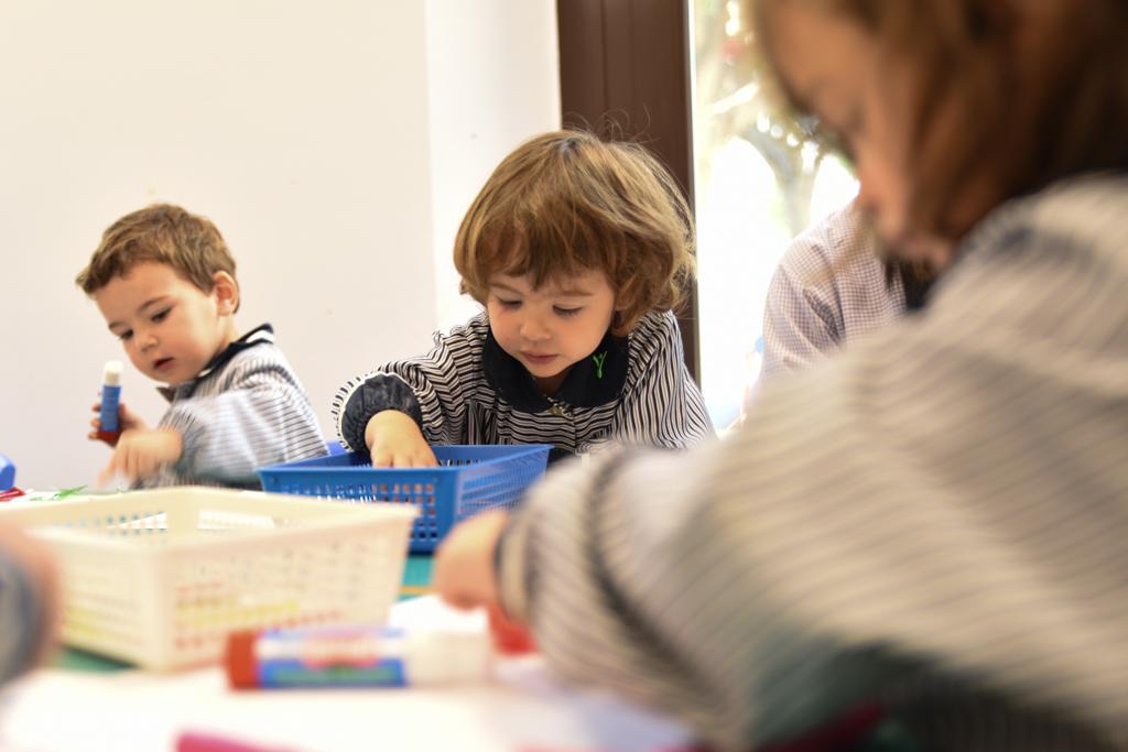 pintar currículum infantil